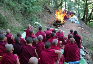 News_2012_-_Geshe_cremation