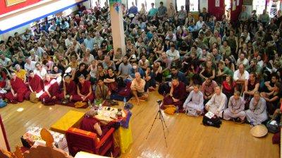 News_2012_-_Jetsunma_crowd