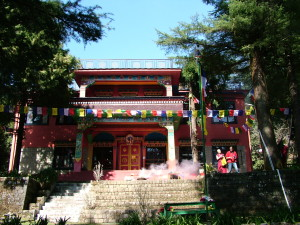 Losar – Putting up new prayer flags