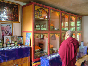 Khen Rinpoche visiting our Medicine Buddha Gompa.