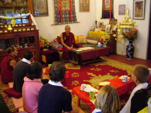 Khen Rinpoche kindly giving advice to our Vajrasattva retreatants