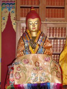 Lama Atisha statue
